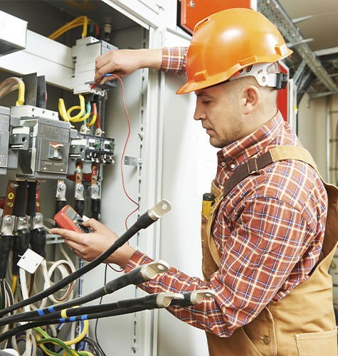 Услуги электрика в Ижевске
